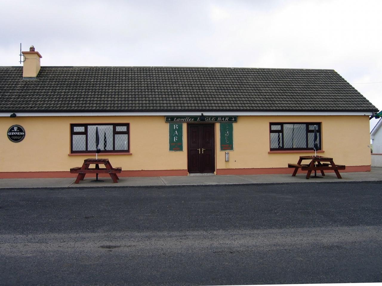 Lavelles Pub in Corclogh